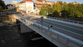 Zamknięty most graniczny dla ruchu samochodowego